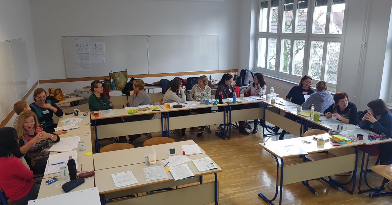 CoRT 2-3 – nadaljevalno usposabljanje za poučevanje razmišljanja v šolah